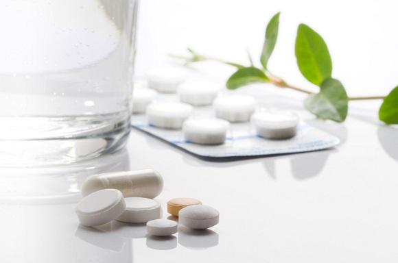 医薬品とサプリ