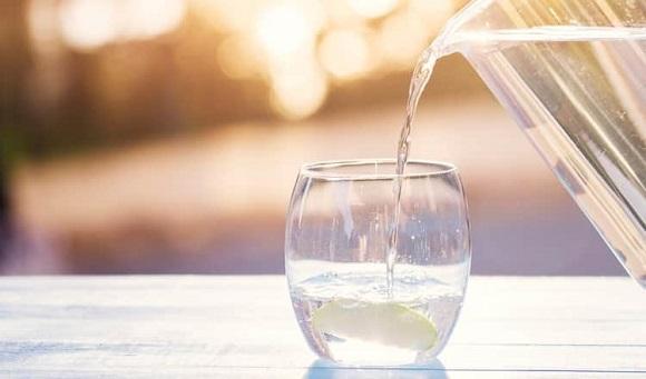 水やぬるま湯