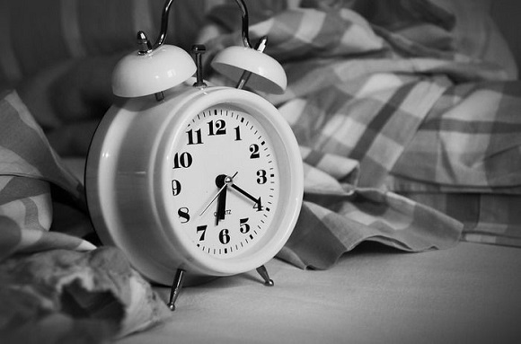 朝に2粒、寝る前に2粒のタイミングで摂取する