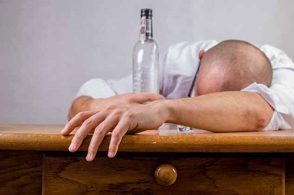 アルコールとの併用を避ける